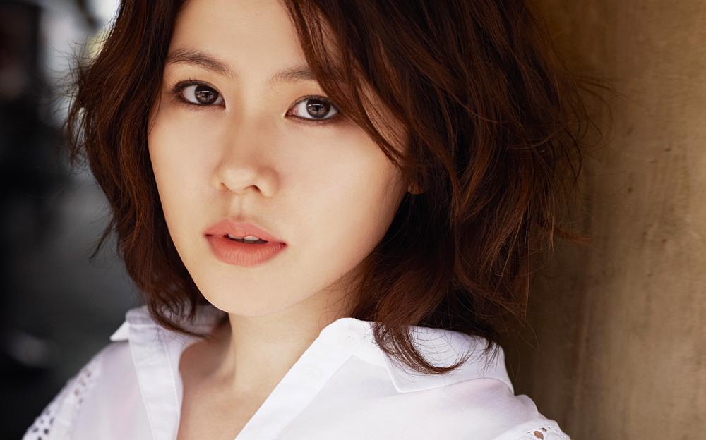 Korean Actress Ye Jin Son Picture Gallery